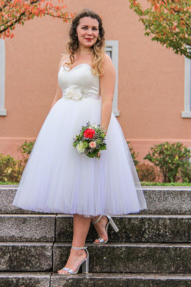 Brautkleid kurz maßgeschneidert