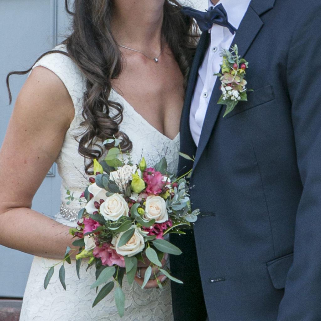 Brautstrauß & Blumenanstecker